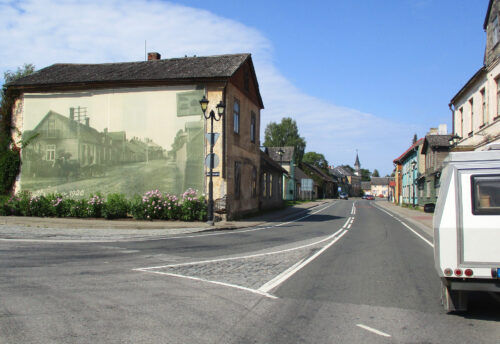 Estland, Dorf, Bild an Hauswand, Goladinha