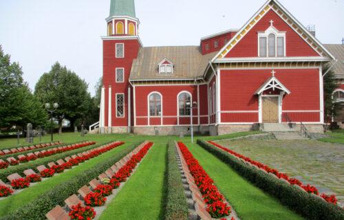 Finnland 2 - Kirche. Soldatenfriedhof, Goladinha